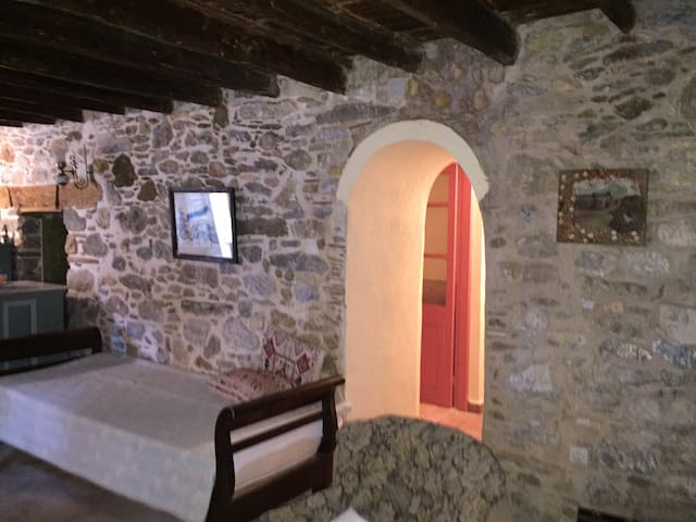 Traditional Maisonette in Platanos, Leros