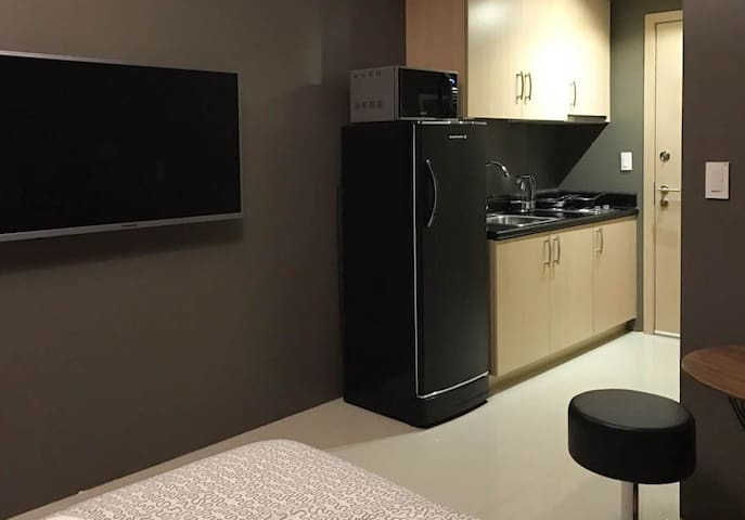 """49"""" LED TV and great functional kitchen"""