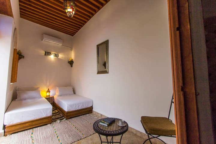Dar Bhija, Cozy Guest House, Private room