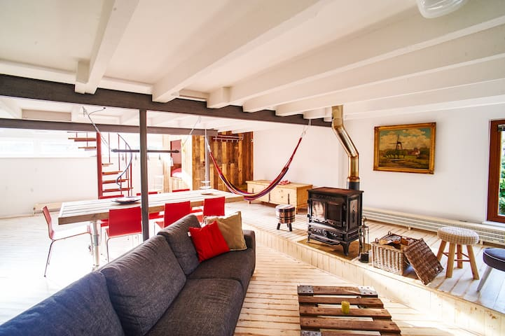 Unique apartment (110m2) in old cow stables - Amsterdã - Apartamento