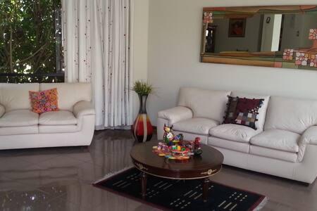 Near US Embassy - El Polo Hotel - Santiago de Surco