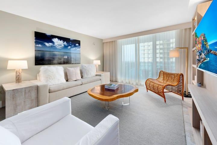Premium 1/1 Ocean View located at 1 Hotel & Homes