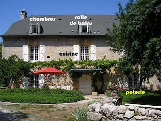 Maison de famille, piscine, Martel - CRESSENSAC