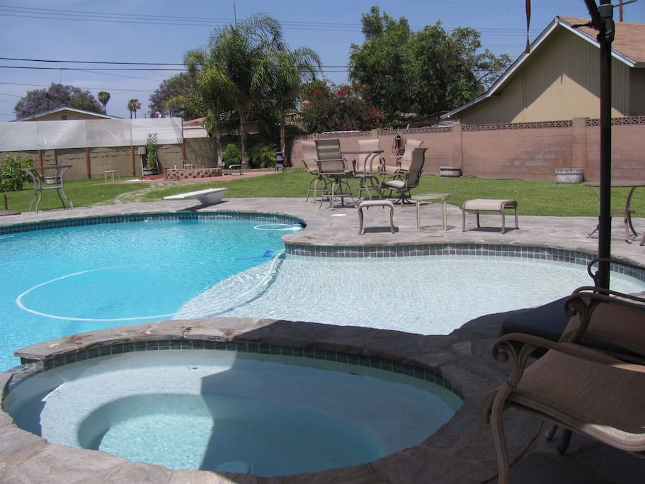 Magical estate gated 6 bdrms pool spa hot tub for Garden grove pool