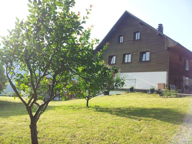 Appartement dans ferme rénovée