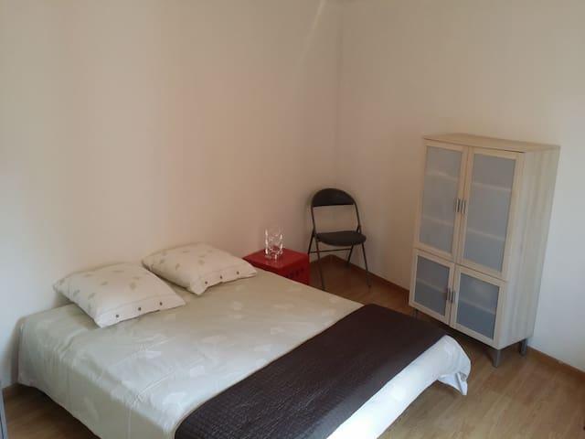 Chambre chez l'habitant Centre Ville - Les Abrets - Domek gościnny