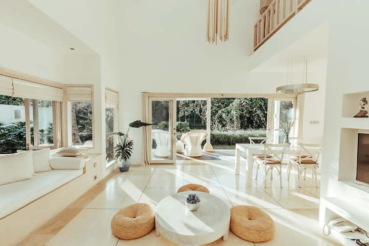 Exquisite Designer Home-Lotus Cloud