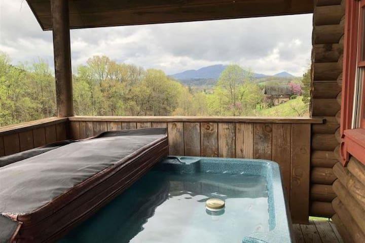 Romance + Views: Romantical RendeVIEWS log cabin