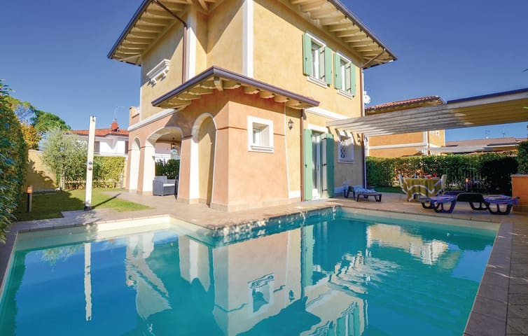 Villa with swimming pool in Manerba del Garda - Manerba del Garda - House