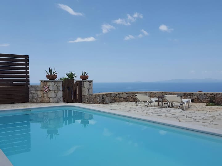 Stylish villa Phoebe in Stoupa with private pool