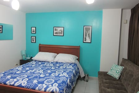 Cozy  Studio & Bath, Great Location - Barranco