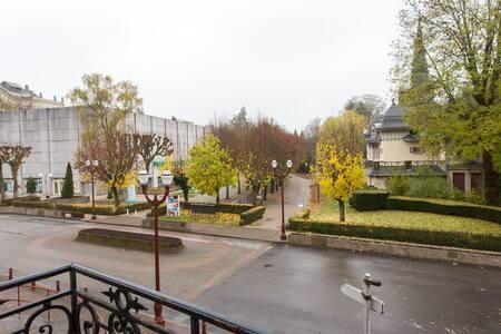 Votre cure thermale à 5minutes à pied par le parc - Vosges - Leilighet