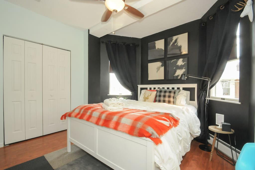 Thompson Room- Queen bed and black out shades
