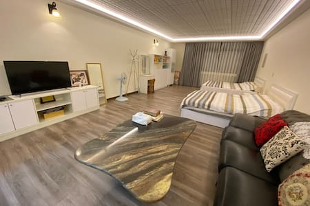 ▶ Taichung Spacious and Cozy room