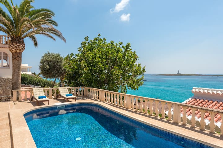 Villa Torre Vea-Stunnig seaviews-Private pool-Free AC and Wifi