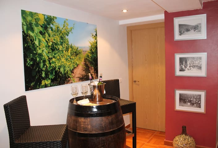 Double room shared bathroom near Logroño - Fuenmayor