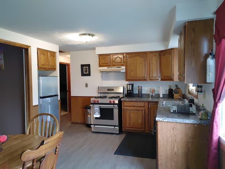 Warrensville Hts. Welcome Inn 2 bedrooms 1sofa bed