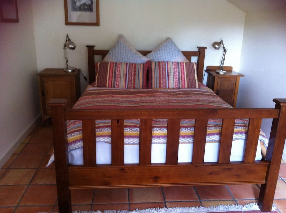 Large Queen Bed