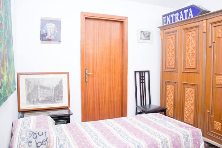 stanze in mansarda!nei pressi di caserma Salomone