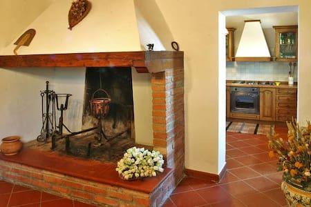 Casa Colonica Vigneti Piscina ..... - Barberino Val D'Elsa (FI) - House