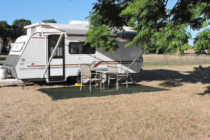 Best of both worlds - Farm stay close to suburbia - Donnybrook - Autocaravana