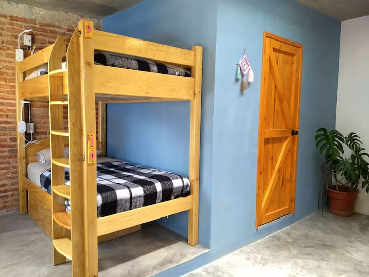 La Abuelita Hostal~Mixed Dorm 1-10 $110 per night