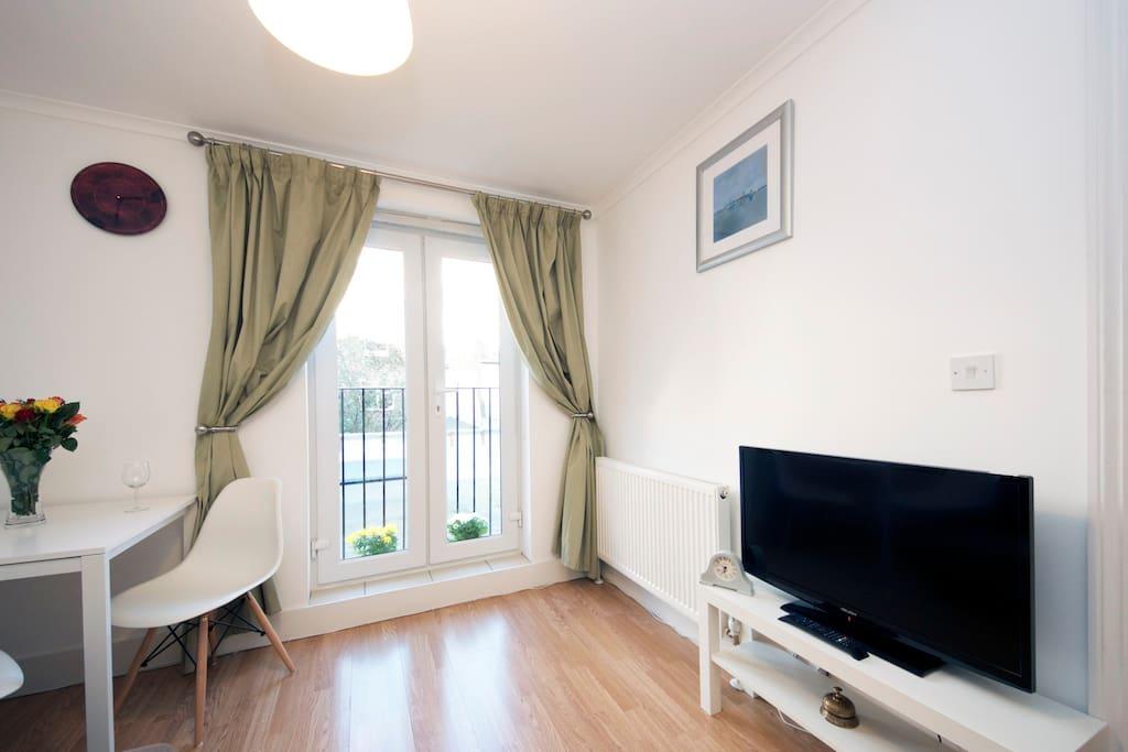 1 Bedroom Flat In West Kensington Apartments For Rent In West Kensington London Greater