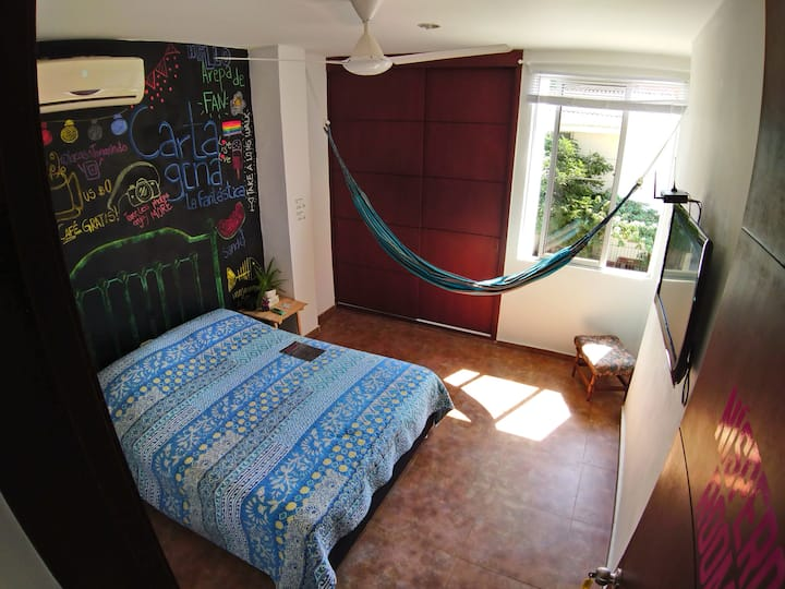 Really nice room close to Getsemaní and Old City