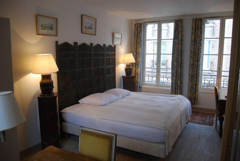 Chambre d 39 h tes ch vrefeuille en centre ville byty k - Chambre d hote a fontainebleau ...