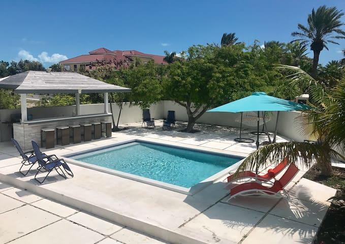 Tides Villa-GRACE BAY-PrivatePool-4BR-OceanView
