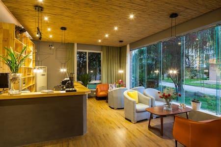 东江湖畔迷人的日本设计师精品酒店 - 郴州资兴 - House