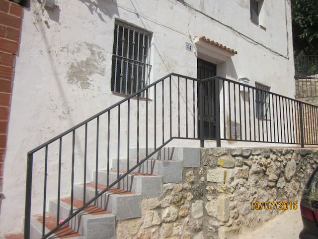 Apt 1; Self catering within a house - Cocentaina - Townhouse