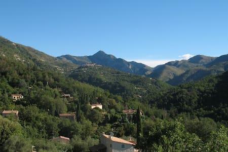 Dejlig villa tæt på Nice og Monaco - Coaraze