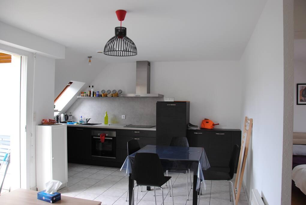 salle de séjour cuisine aménagée