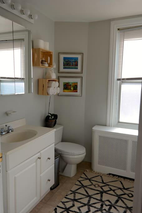 Shared bathroom with tub/shower - toiletries included.