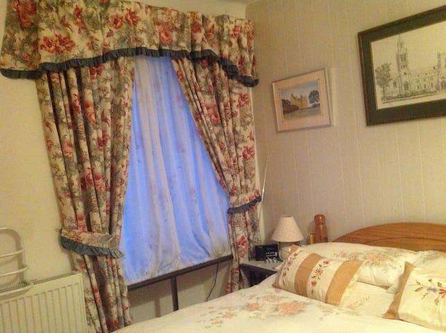 Chez Mai - Une Chambre double de charme - Auriac Lagast - Bed & Breakfast