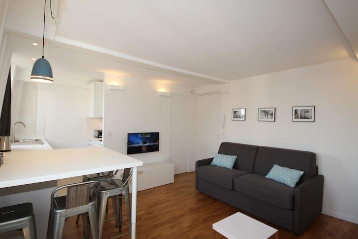 DUPLEX 5' from Metro & 20' from Eiffel Tower  ❤️ - Paris - Apartemen