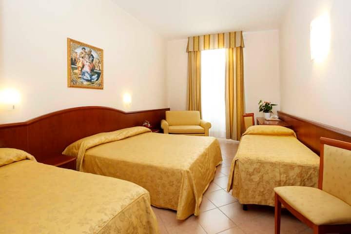 Camera quadrupla con vista sul Lago di Garda
