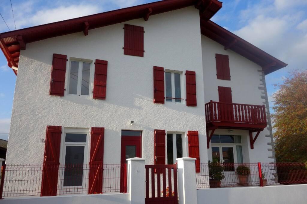appartement f3 pays basque maisons louer saint palais aquitaine france. Black Bedroom Furniture Sets. Home Design Ideas
