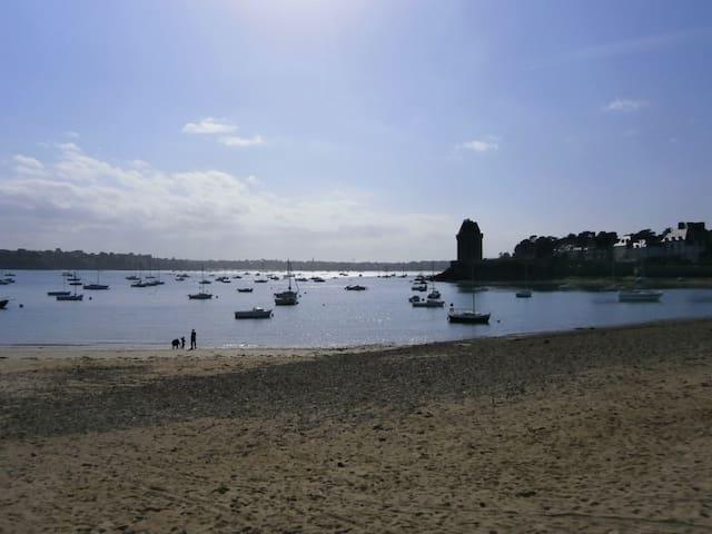 Au petit bonheur des vagues - Sant-Malo - Pis