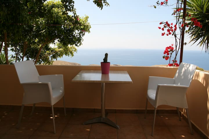 Holiday Apartment  with Sea View(1) - Hora Sfakion - Apartemen
