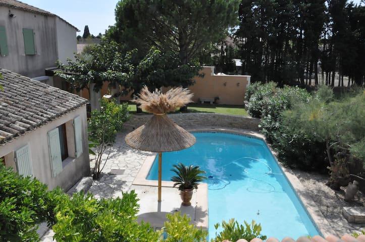 Maison familiale en Provence - Noves - Hus
