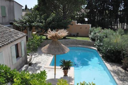 Maison familiale en Provence - Noves