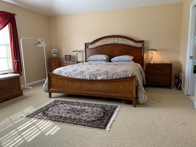 Spacious private master suite/bathroom,Lynn Haven