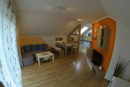 2-Zimmer FeWo - Modern & Gemütlich - Unterwellenborn - Apartment - 1