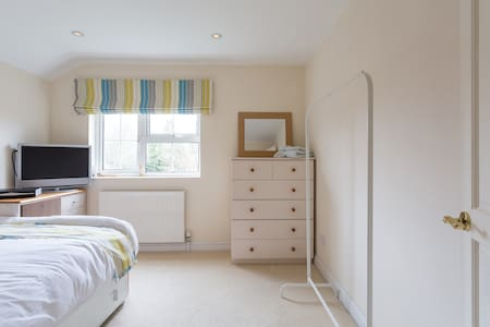 Spacious Double Room - House