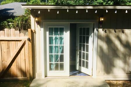The Multi-pattern Mini Cottage