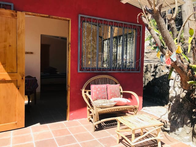 Casa de Yin Yang Cottage for 1 or 2 Guests