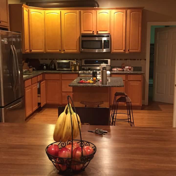 Arlington/ DC area home - 2BR