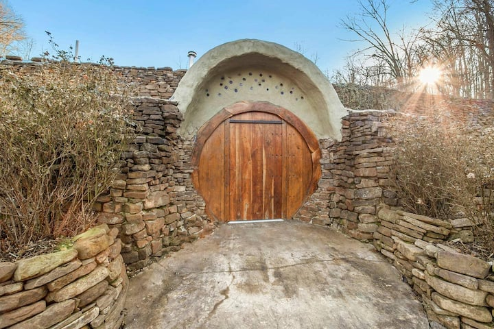 THE HOBBIT HOUSE - Earth Ship Sustainable Home
